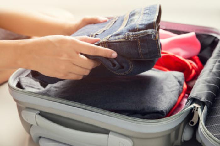 Prise de précaution contre la punaise de lit avant un voyage